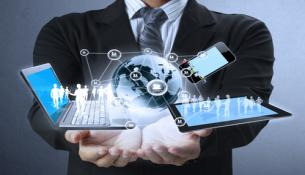 Image : Technology in the hands © violetkaipa - Fotolia.com